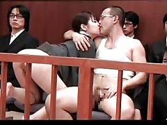 Shoko und Sakura ist nicht ihr Sohn vor Gericht gefickt