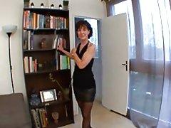 Französische Reife Brigitte Analfucked in Strümpfen