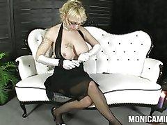 Monicamilf in einem klassischen 30 & s Porn video - Norsk-porno