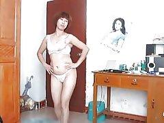 Chinesische alte Frau tanzen