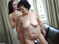 Oldnanny sexy Mädchen masturbieren Muschi behaarte Oma