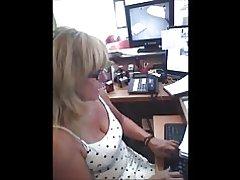 Spion auf Arbeit Titten Reife :)