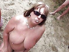 Strand-bukakke