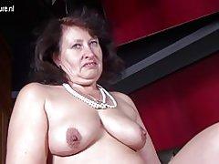 Große sexy Mutter mit hungrigen vagina