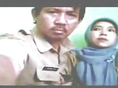 Indonesisch-Hebamme verschleiert
